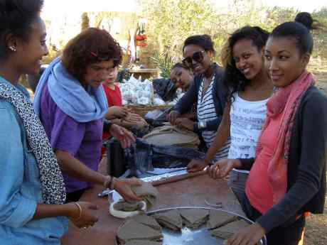 Setting out the Injera
